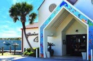 marina-cafe-grand-entrance